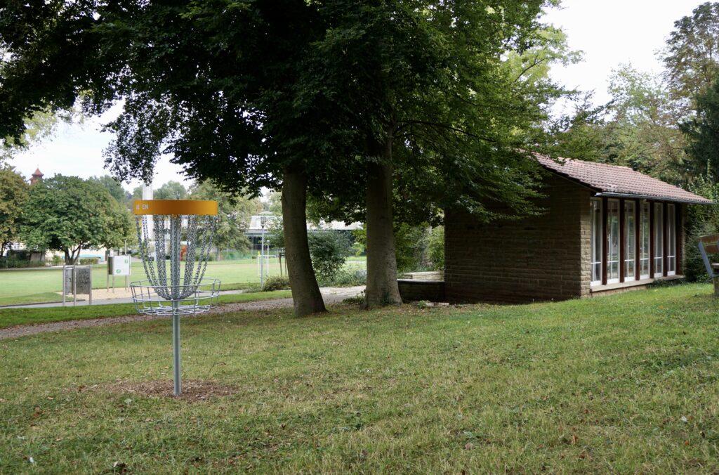 Übungskorb Discgolf Nürtingen: Der Parcours im Galgenbergpark (Gallow Hill)