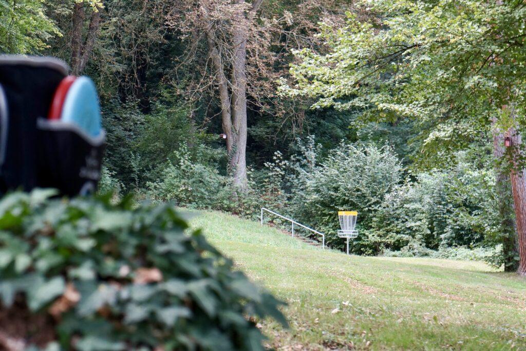 Bahn 5u9 - Discgolf Nürtingen: Der Parcours im Galgenbergpark (Gallow Hill)